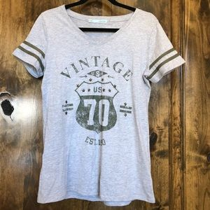 Maurices Gray Athletic T-Shirt Size M
